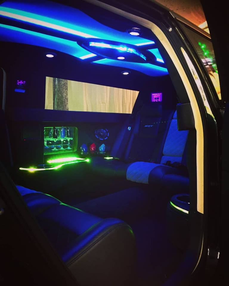 Jazzy Chrysler 300 Stretch Limo - Inside